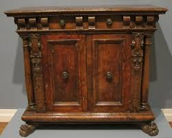 15th or 16th century Italian credenza, wikimedia commons