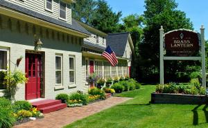 Brass Lantern Inn in Stowe, Vermont, www.usholidaysplus.com