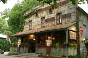 The Story Inn in Nasville, Indiana, www.hauntworld.com