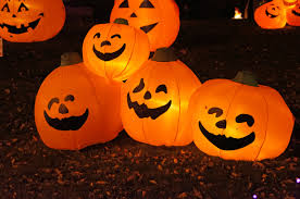 Jack-o'-Lanterns, wikimedia commons