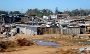 houses in Brazil that show extreme poverty, wikipedia